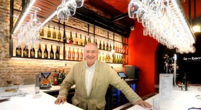 The bar of the 7 Portes is the new establishment in Porxos del Port
